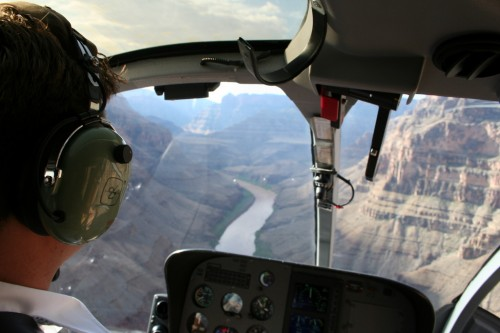 Kopteriga Grand Canyoni kohal