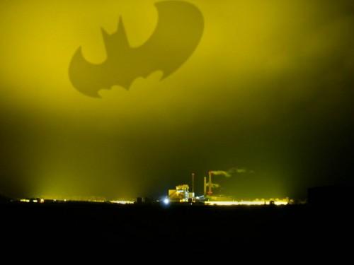Bat-Signal Tartu taevas