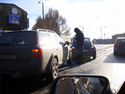 Trammiteel avarii teinud Audi ja Volkswagen