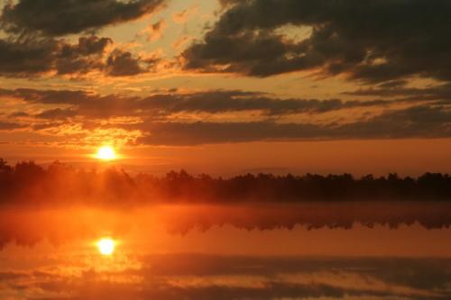 Kakerdi jarv ja päikesetõus